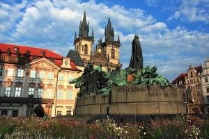 Когда в Праге дешевле всего