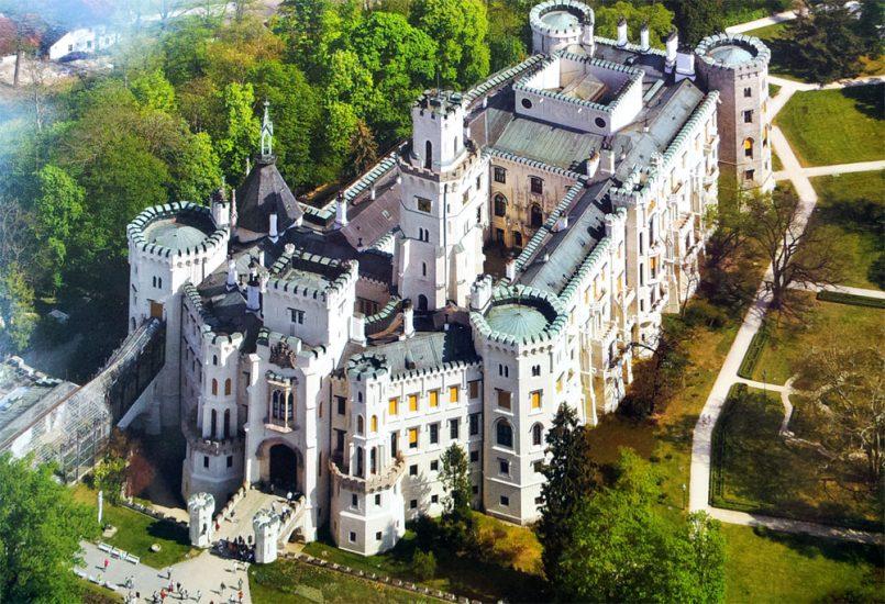 Самые красивые замки Праги экономно