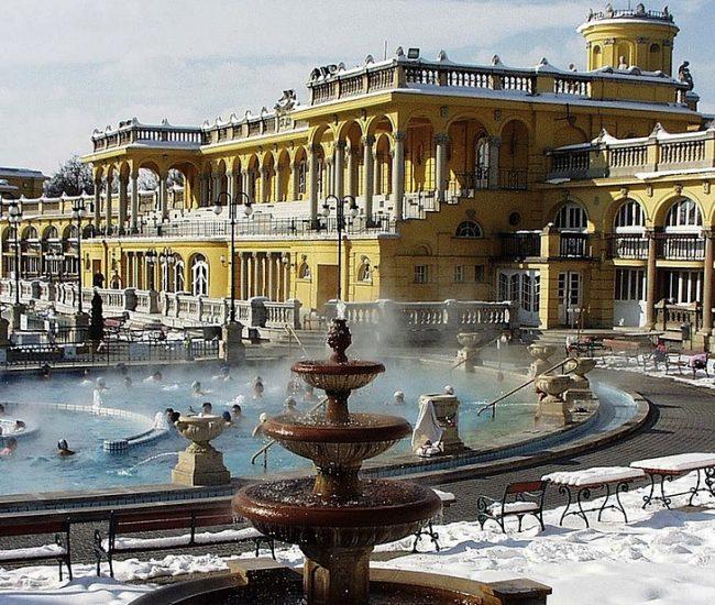 Когда выгоднее всего посетить Будапешт