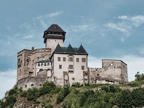 Тренчьянский Град - замок в западной Словакии над городом Тренчин