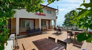 Отель «Анжелика Альбатрос» (Лоо) расположенный в 50 метрах от пляжа на Черном море.