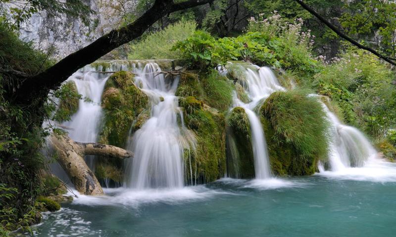 33 водопада в Лазаревском