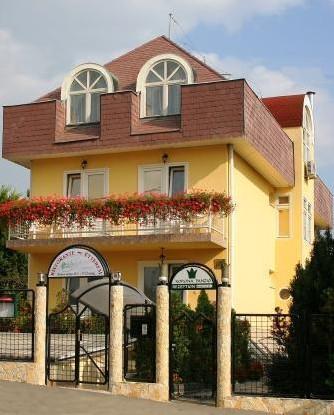 Korona Hotel Panzio - гостиница в Будапеште