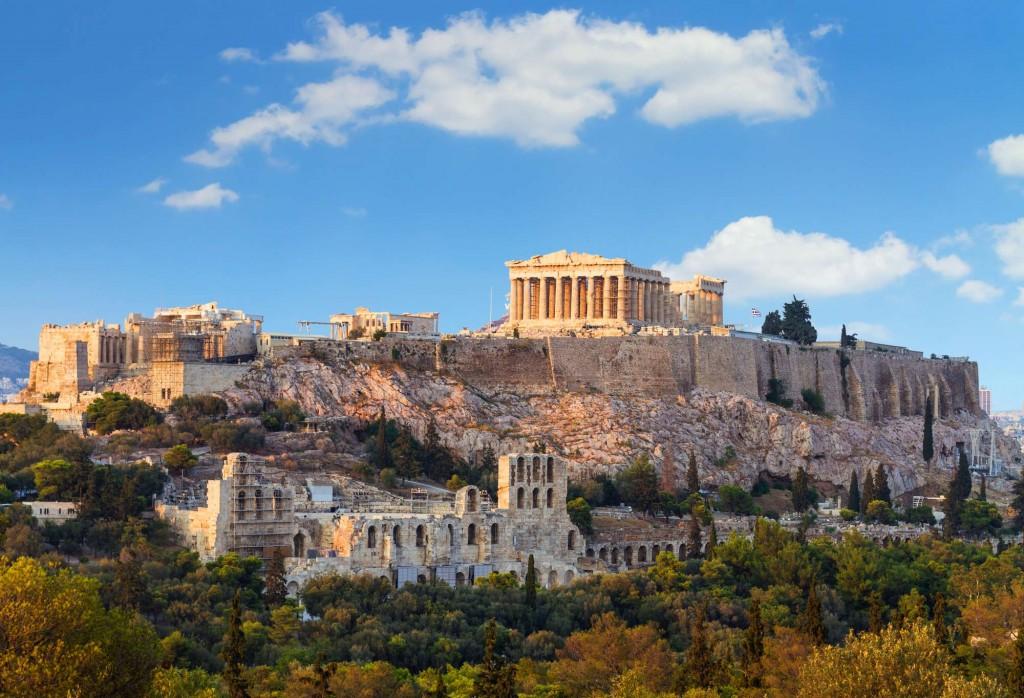 Афинский акрополь-скалистый холм с пологой вершиной