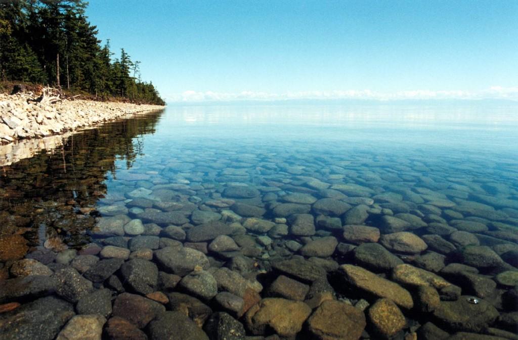 Озеро Байкал - самое глубокое озеро на планете.