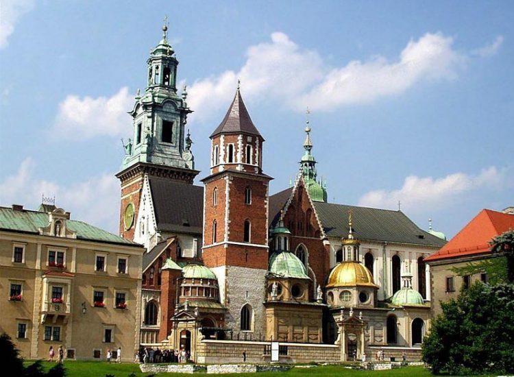 Достопримечательности Кракова. Собор святых Станислава и Вацлава построенный на холме Вавель