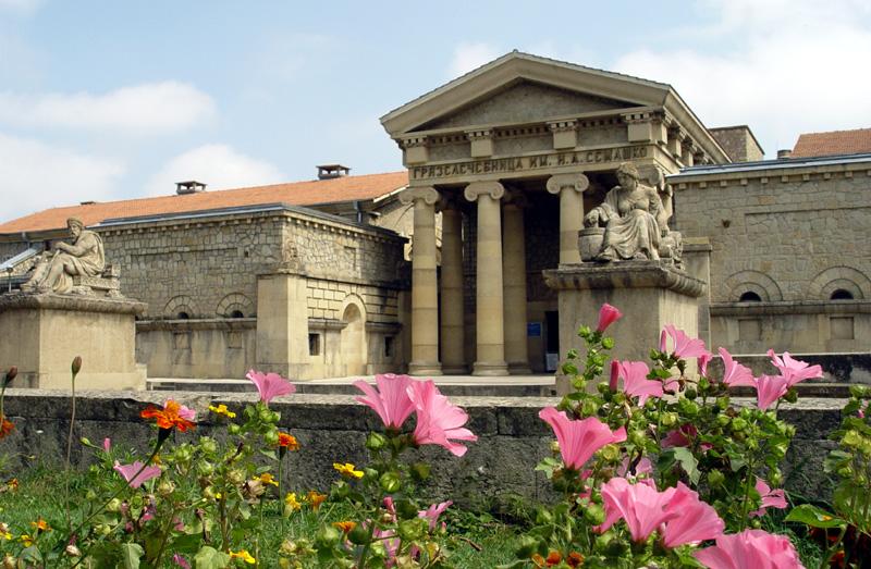 Грязелечебница имени Семашко в городе Ессентуки - один из наиболее известных памятников архитектуры курортного города.