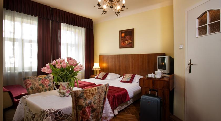 """Отель типа """"постель и завтрак"""" Astor находится в центре Кракова"""