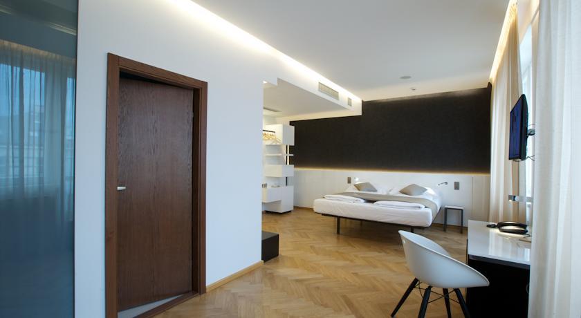 Стильный дизайн-отель и хостел Mosaic House, полностью отремонтированный и переоборудованный