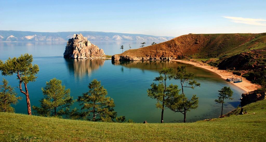Шаман-скала, так же мыс, в средней части западного побережья острова Ольхон, на озере Байкал.
