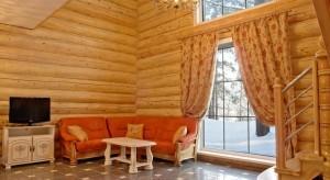 эко-отель расположен на берегу реки Катунь, в 35 км от Горно-Алтайска