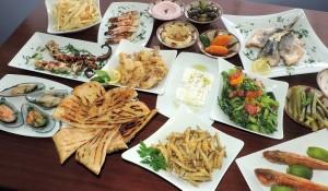 мезе — это набор закусок или маленьких блюд