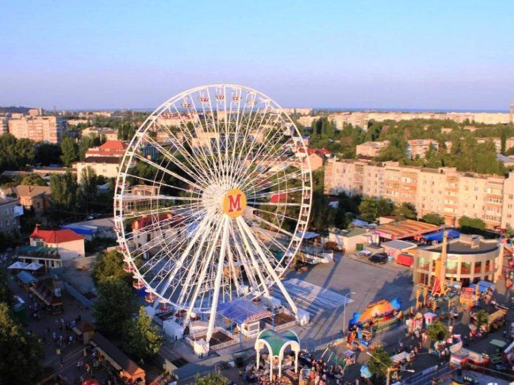 Колесо обозрения в Бердянске