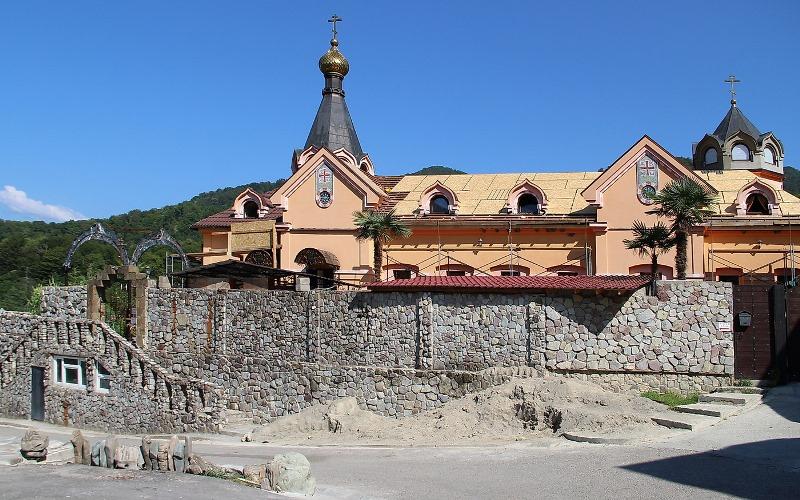 Мужской монастырь «Крестовая пустынь» в Краснодарском крае